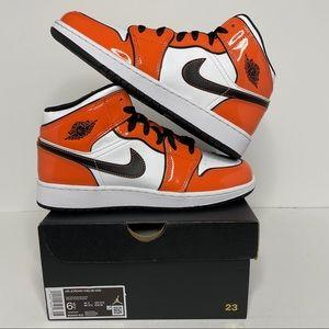 Nike Air Jordan 1 Retro Mid SE Turf Orange NEW